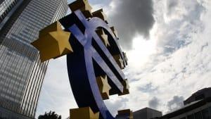 EZB-Wirtschaftsbericht: BIP in der Eurozone um 11,8 % gesunken