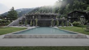 Wellness-Urlaub: Tiroler Hotel lockt mit Hobbit-Behausungen