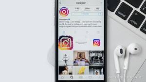 Kein Instagram: Diese Stars bleiben lieber privat