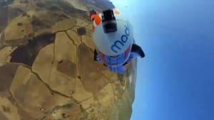 Gleitschirmfliegen mit Wingsuit - Stunt-Premiere in Andalusien