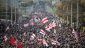 10. Protestwoche: Zehntausende demonstrieren gegen Lukaschenko
