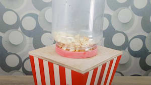 This is how you make a DIY popcorn machine