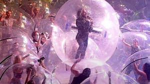 Flaming Lips perform in-person concert with audience members enclosed in bubbles