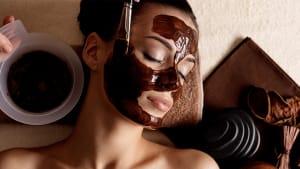 Make-Up-Trend: Darum schütten Influencer sich reihenweise Kakao ins Gesicht