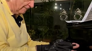 Bionic gloves help renowned pianist João Carlos Martins play music again
