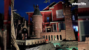 Family builds 'Hogwarts Castle' in front yard during Halloween
