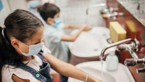 Umfrage: Jedem dritten Kind graut es vor dem Schulklo