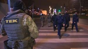Strenge Disziplin und Militärpatrouillen: Budapester Einöde um 20 Uhr