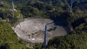 Puerto Rico: Riesen-Radioteleskop fällt um