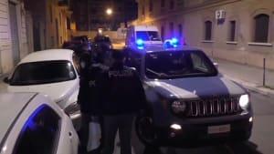 Razzia gegen Schleusergruppe - 19 Festnahmen in Italien