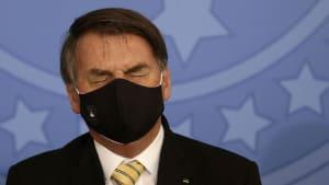 """Bolsonaro hat sich mit Coronavirus angesteckt: """"Es begann mit Unwohlsein"""""""