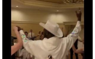 人気ラッパーのリル・ナズ・Xが、一般人の結婚式にサプライズで登場!【映像】