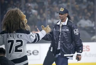 'NHL 20' adds Snoop Dogg as a commentator and playable character