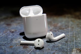 AirPods with wireless charging case drop to $140 at Amazon
