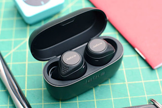 Jabra's Elite 75t wireless earbuds drop back down to their lowest price ever
