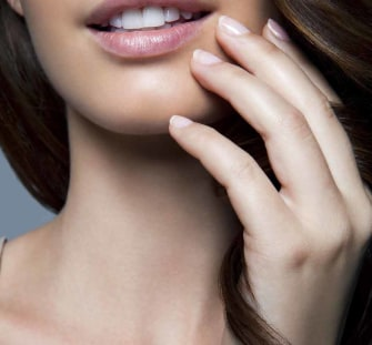 "Ask the Guys: ""Are There Nail Colors That Turn Men Off?"""