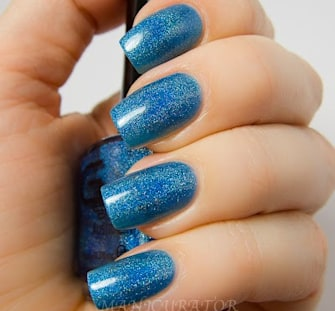 Mani Monday: Holographic Nails for Spring
