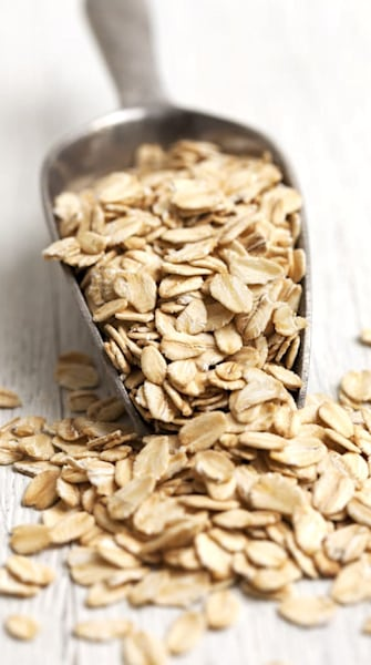 Blast blemishes with an easy DIY oatmeal mask