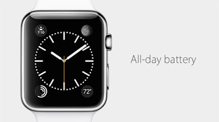 Apple Watchのバッテリーは通常使用で18時間駆動。充電は電磁誘導の磁石コネクタ式