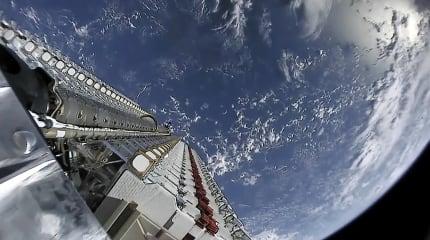 SpaceX 的 Starlink 卫星意外引起天文学家们的反弹