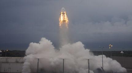 SpaceX 载人舱发生重大意外,测试中爆炸全毁