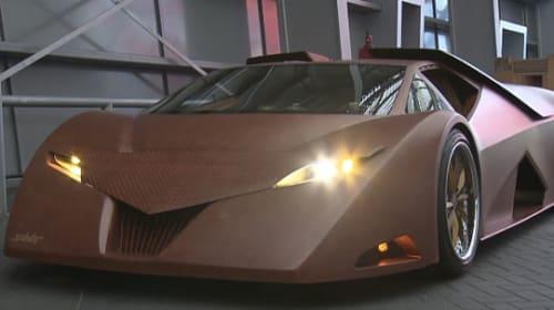 史上初!?世界にひとつしかない木製のスーパーカーがなかなかエグめでカッコいい【動画】