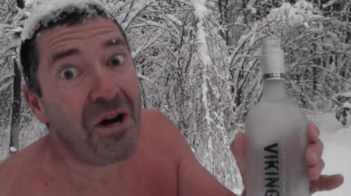 ノルウェーの酔いどれ寒中水泳おじさんの最新動画が公開! 今回もかなり寒そうです
