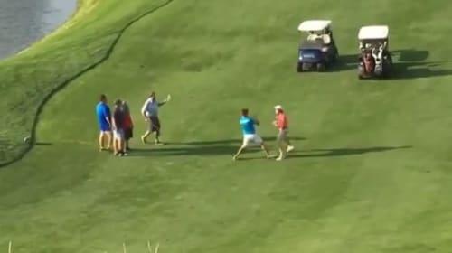 紳士のスポーツなのに・・・ゴルフ場で男性2人が突然殴り合い!【動画】