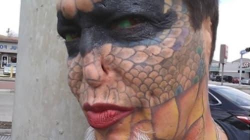 自らを「ドラゴン」風に改造した話題の人物がこちら