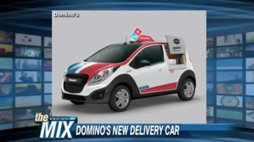アメリカのドミノ・ピザが運びながら焼けるピザ専用車を開発し話題に【動画】