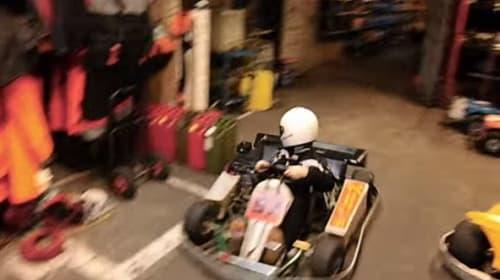おそロシア!少年のゴーカート高速&逆走車庫入れが超絶カッコよすぎる【動画】