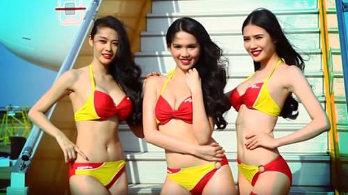 ビキニ姿の美人キャビンアテンダントが同乗するベトナム格安航空会社がいろんな意味で話題に【動画】