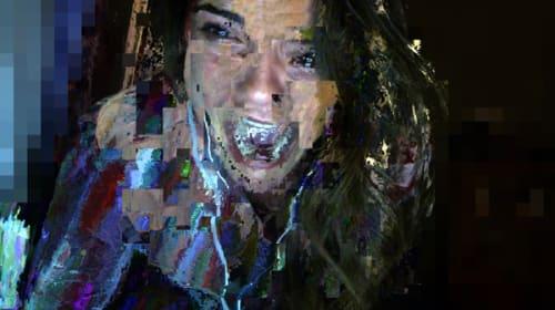 ジェイソン・ブラムが手掛ける新感覚SNSホラー『アンフレンデッド』が怖すぎる!放送事故すれすれの衝撃場面写真解禁