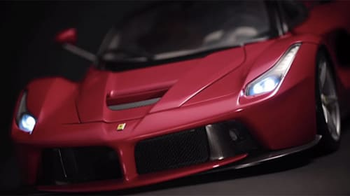 フェラーリ史上最高傑作「ラ フェラーリ」を組み立ててみないか?【動画】