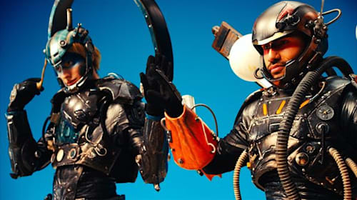 【PR】アイアンマンかよ!サイバーパンクなボディアーマーを装着した「北風と太陽」がカッコよすぎる