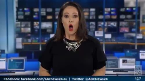 オンエア中にぼんやりしていたアナウンサーがカメラに気付いた時の反応www【映像】