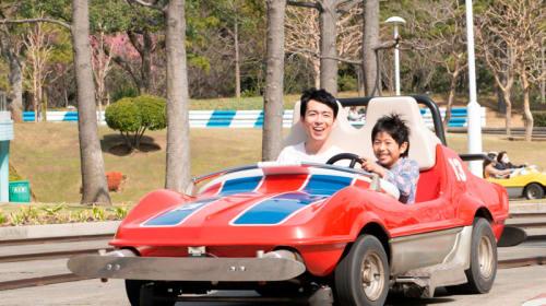 【ディズニー情報】「グランドサーキット・レースウェイ」が34年間の歴史に幕!そのフィナーレに向けて号泣キャンペーンも始まるぞ!