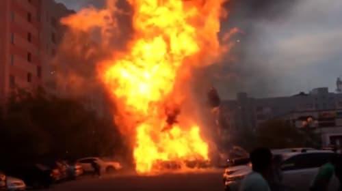 西部警察のロケかよ!ロシアで自動車が炎上し大爆発【動画】