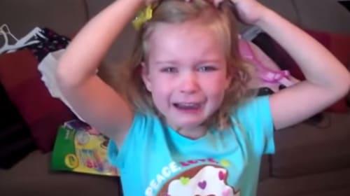 女の子が誕生日サプライズに感極まって号泣して超可愛すぎる【動画】