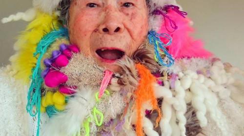 93歳のおばあちゃんモデルが可愛すぎると海外で話題に【動画】