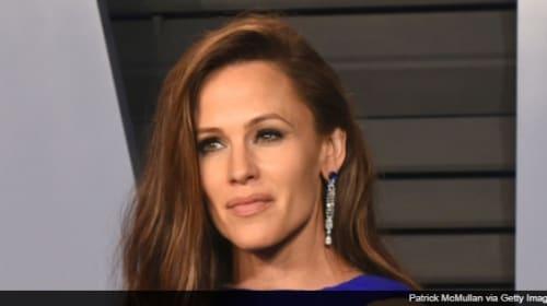 ジェニファー・ガーナー、アカデミー賞で見せた謎の表情をネットでネタにされ「すごく恥ずかしい」と反応
