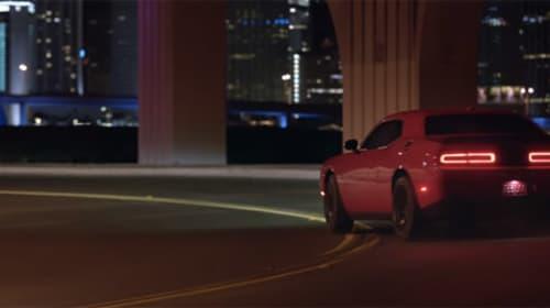 フィル・コリンズの名曲「In The Air Tonight 」を使用した車のCMがハードボイルドすぎる【動画】