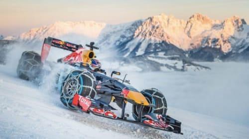 雪山でF1ドライブ!次期エース候補フェルスタッペンがド派手なランを決行【動画】