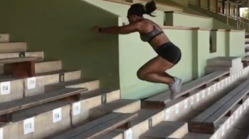 この跳躍力、やはり只者ではない!オリンピック出場、女子陸上選手の階段飛びパフォーマンスがスゴすぎる【動画】