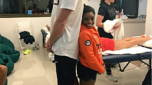 オリンピックの体操選手とバレーボール選手が一緒に写真に写ったら?身長差がスゴすぎる1枚の写真が話題に