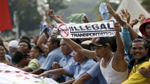 インドネシアで大規模デモ!1万人のタクシー運転手が新規の配車アプリ・サービスの中止を求める【動画】