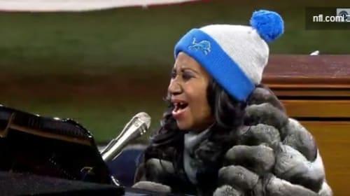 なんと4分35秒!ソウルの女王、アリーサ・フランクリンが歌う国歌斉唱が「長すぎる」と話題に