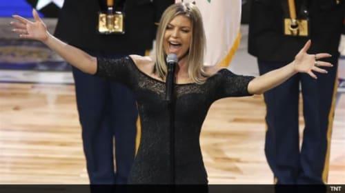 ファーギー、NBAオールスターゲームでのブルース調の国歌斉唱について謝罪