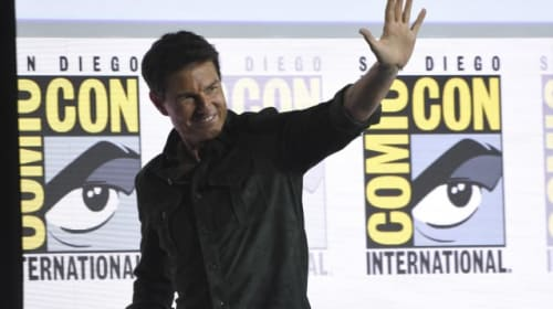 Tom Cruise debuts first Top Gun: Maverick trailer