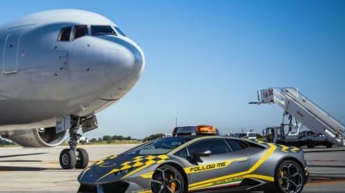 Lamborghini Huracan used to direct planes at Italian airport